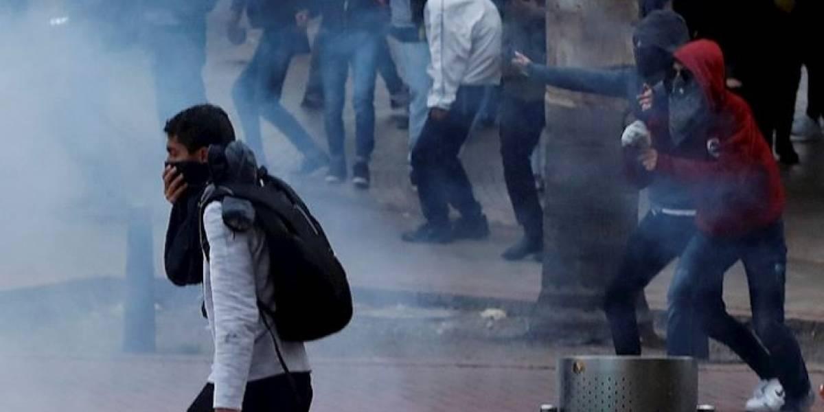 Policía se pronuncia sobre uniformados que se habrían infiltrado en marcha estudiantil