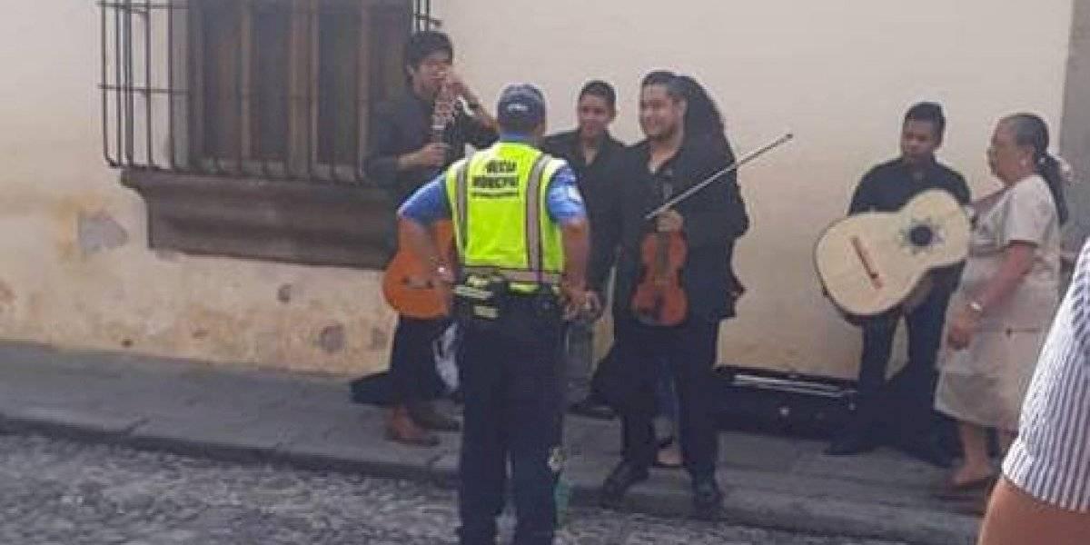 Critican el desalojo de músicos de las calles de La Antigua Guatemala