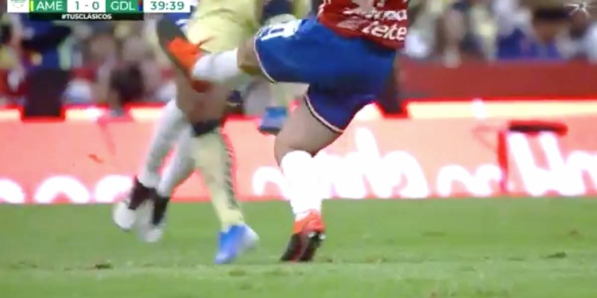 VIDEO: Brutal entrada en juego de fútbol deja a jugador con herida abierta