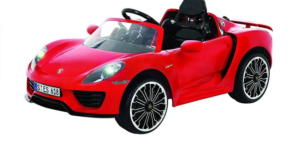 Coches infantiles de lujo y superdeportivos para manejar, ¿buena o mala idea?