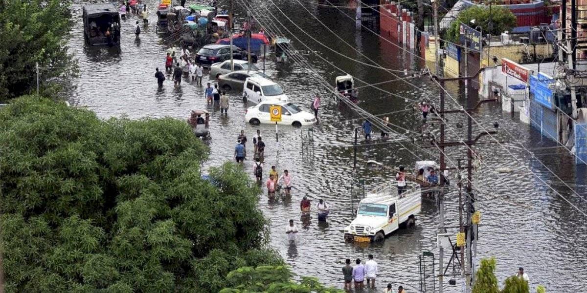 Más de 100 personas mueren en India por fuertes lluvias