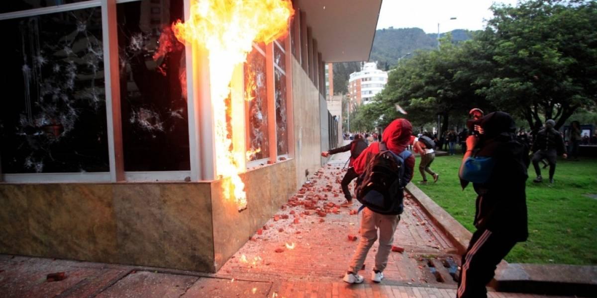 ¿Policías se infiltran en marchas estudiantiles?: comandante del Esmad responde