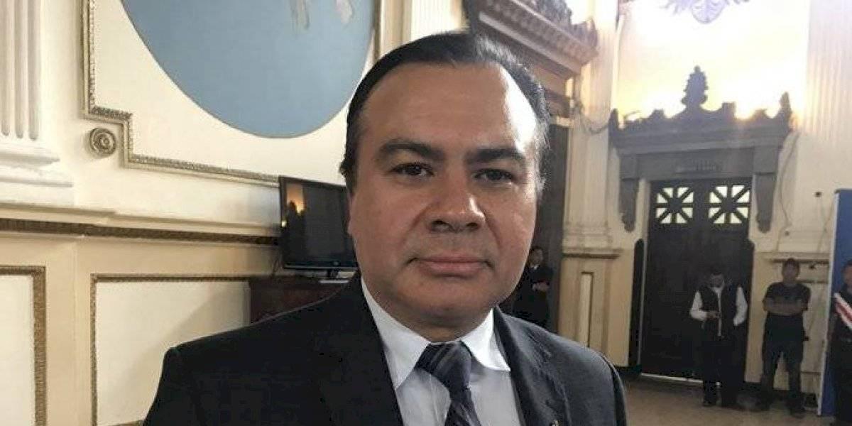 Diputado Aníbal Rojas solicita remodelación de su oficina