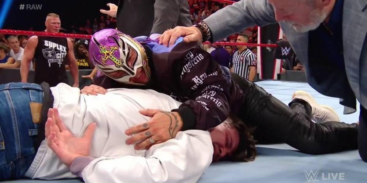 VIDEO: Brock Lesnar propina golpiza a hijo de Rey Mysterio