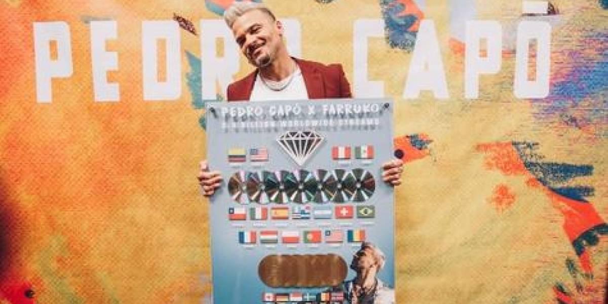 """Sony Music entrega reconocimiento global a Pedro Capó por su éxito """"Calma Remix"""""""