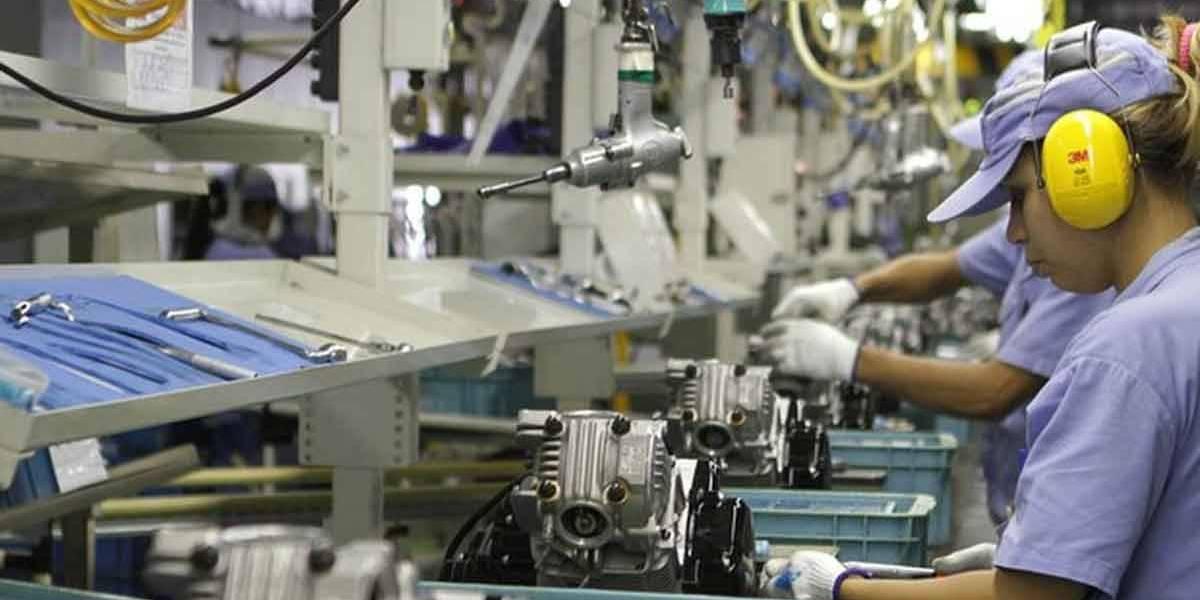 Primeiro emprego: indústrias disponibilizam 61,2 mil vagas para jovens aprendizes
