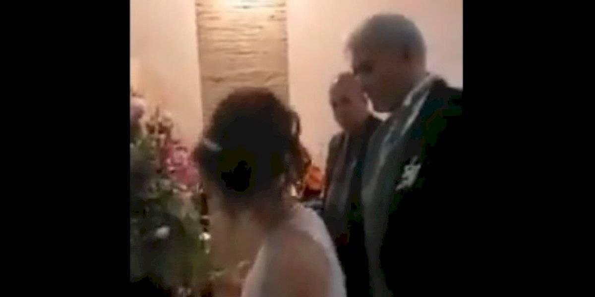 Difunden video de presunta boda entre Mireles y joven de 21 años