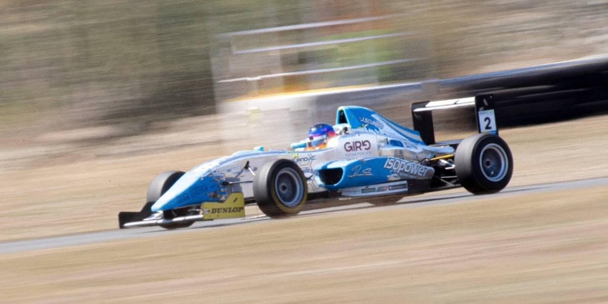 Javier Scuncio comienza a probarse la corona de la Fórmula Codasur