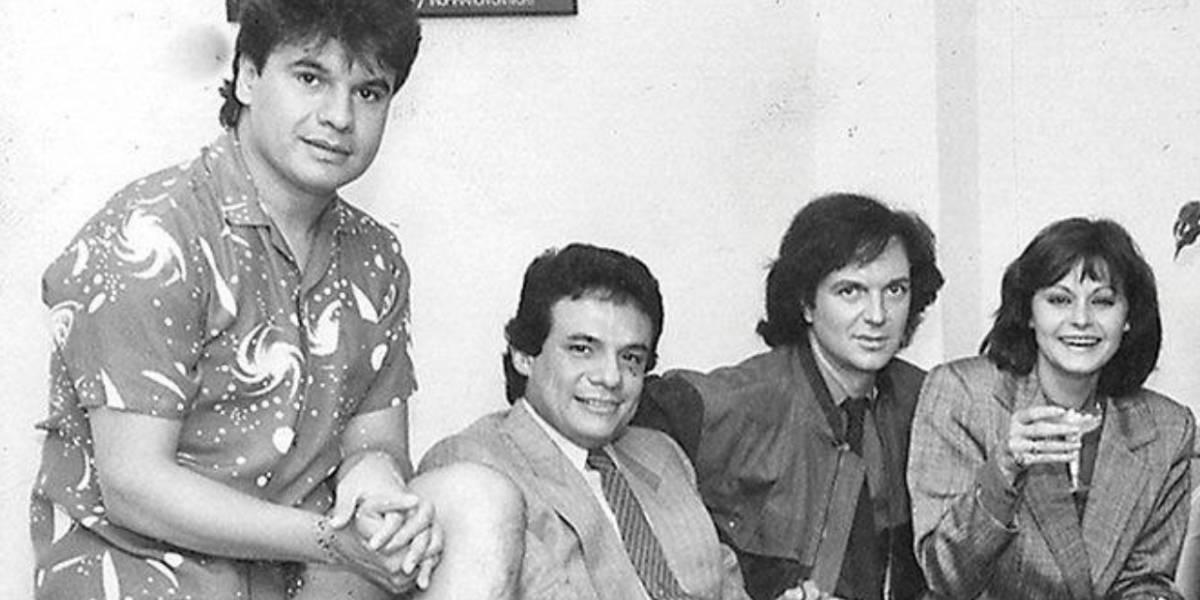 Este es el origen de la fotografía de José José, Rocío Dúrcal, Juan Gabriel y Camilo Sesto