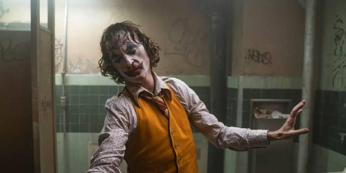Joaquin Phoenix, protagonista de Joker, chocó una camioneta de paramédicos de los bomberos