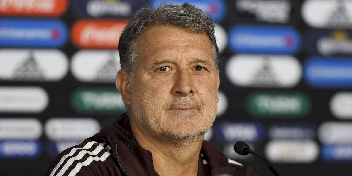 Gerardo Martino respalda a Salcedo y Araujo tras errores