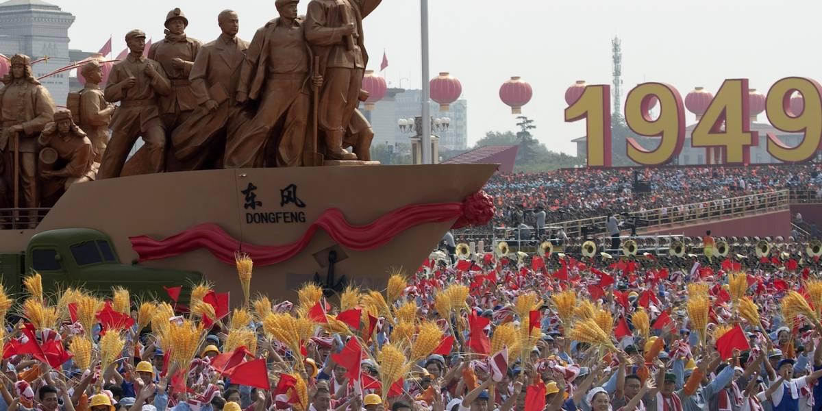 China muestra su poderío económico y militar con un desfile