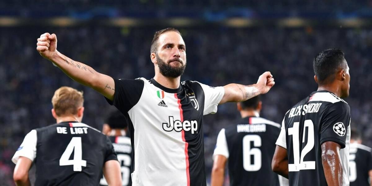 Juventus golea al Bayer en la 'Champions'