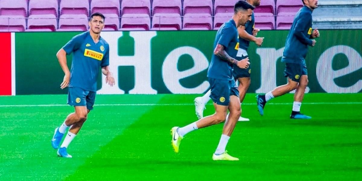 """Alexis Sánchez entrenó en el Camp Nou y el Barcelona le dio la bienvenida: """"Contentos de volverte a ver"""""""