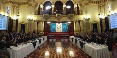 Jimmy Morales y Alejandro Giammattei inician proceso de transición de Gobierno