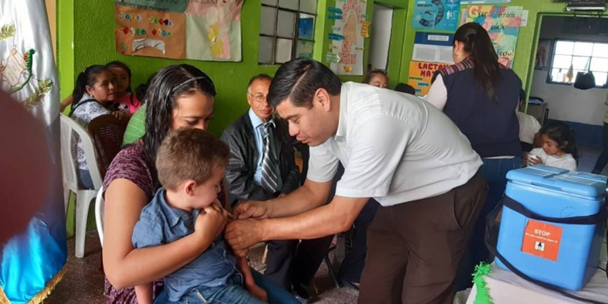 """Suspenden recorridos para vacunación en """"zonas rojas"""" de la capital"""