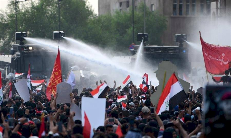 Las fuerzas del orden intentaron detener a los manifestantes efe