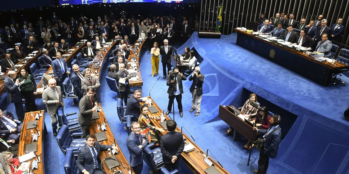 Senado aprova PEC que torna feminicídio crime imprescritível