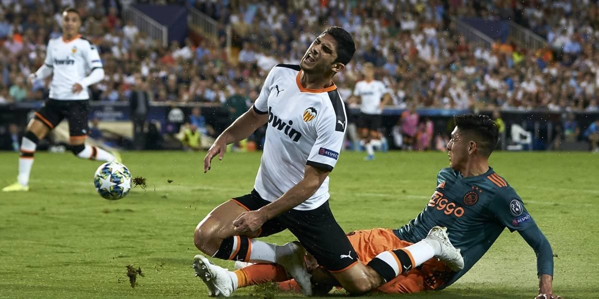 Edson Álvarez y Ajax golearon a domicilio al Valencia