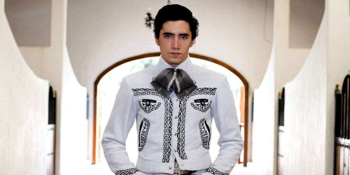 Alex Fernández refresca el sonido del mariachi
