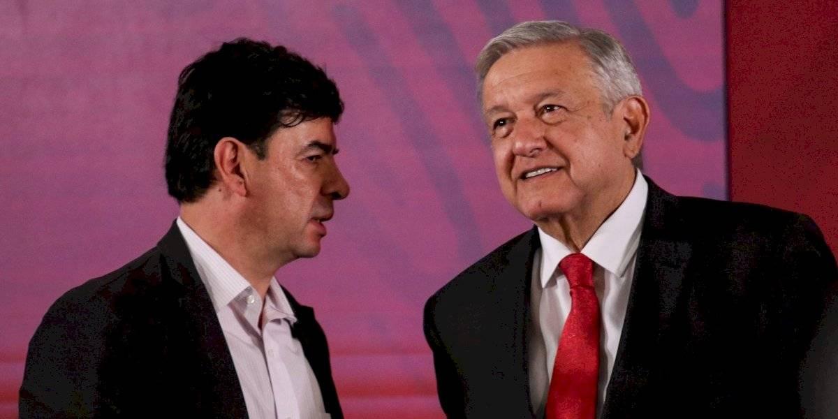 AMLO podría montar guardia de honor en homenaje a León-Portilla
