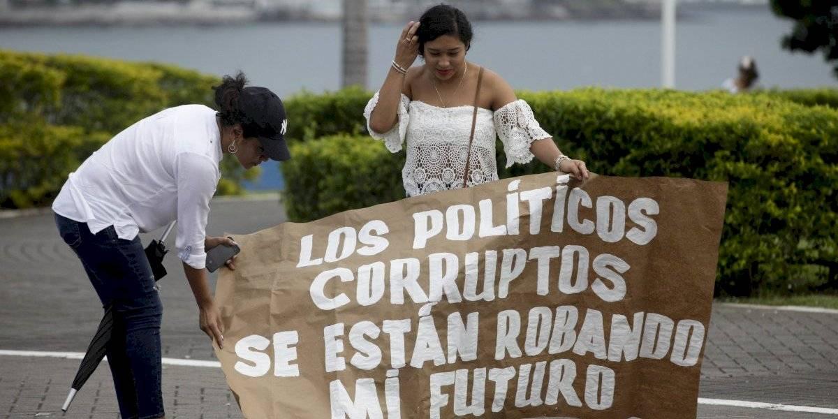 Parlamentarios peruanos se quedaron sin trabajo y ahora arriesgan entrar en la lista de los coimeados por Odebrecht