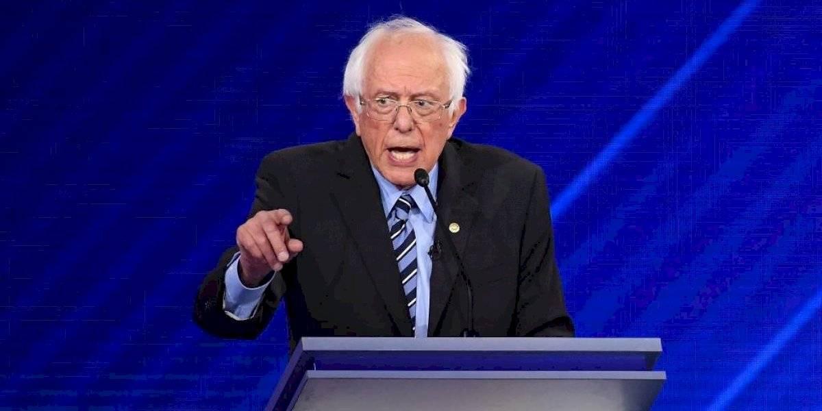 Operan de urgencia a Bernie Sanders por arteria bloqueada; suspende campaña