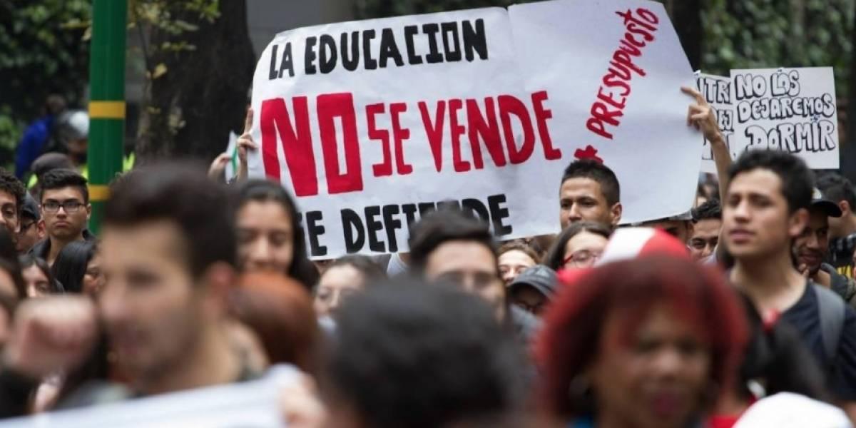 Universitarios convocan gran movilización nacional