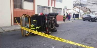 Ocho heridos tras accidente de tránsito en el sector La Magdalena, sur de Quito