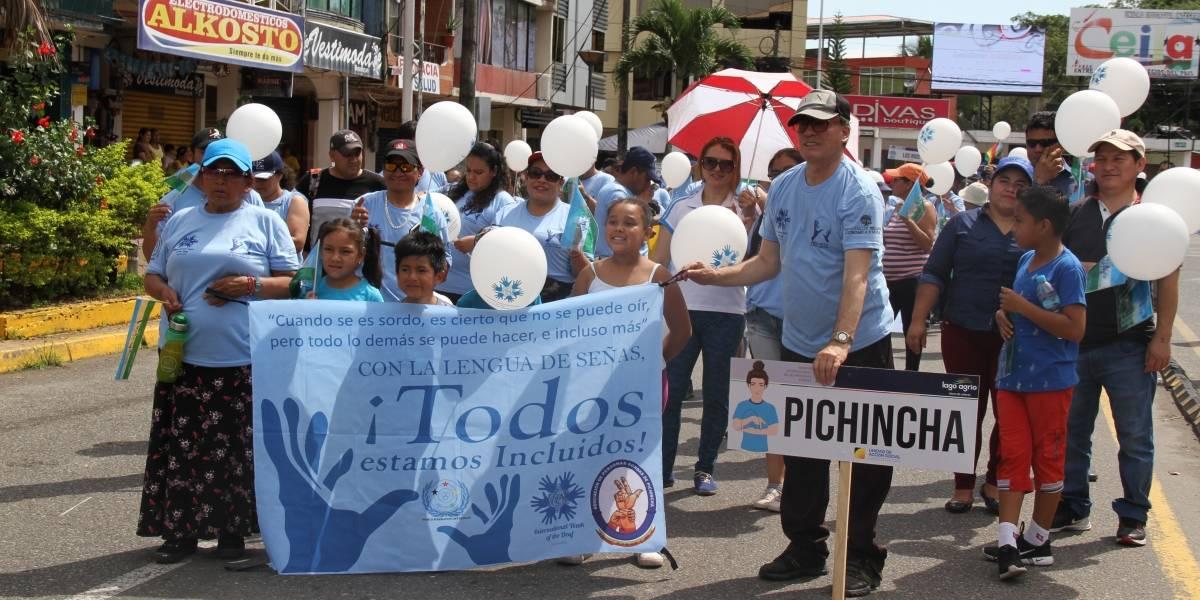 Caminata dio por terminada la conmemoración de la Semana Internacional de Personas Sordas en Lago Agrio