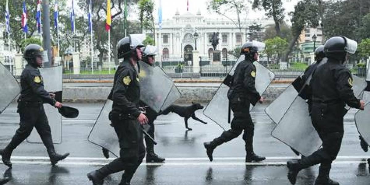 """""""Peruzuela"""": el lamento de los cuestionados parlamentarios peruanos"""