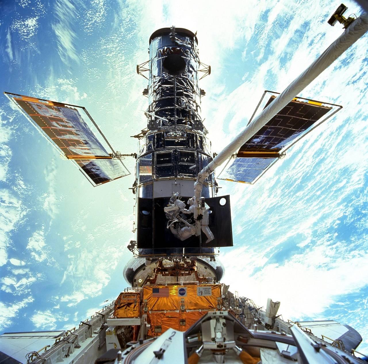 """La NASA muestra deslumbrante imagen de """"Galaxia platillo volador"""" obtenida con el Hubble"""