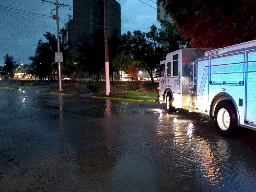 Inundaciones en la ZMG a causa de fuerte tormenta vespertina