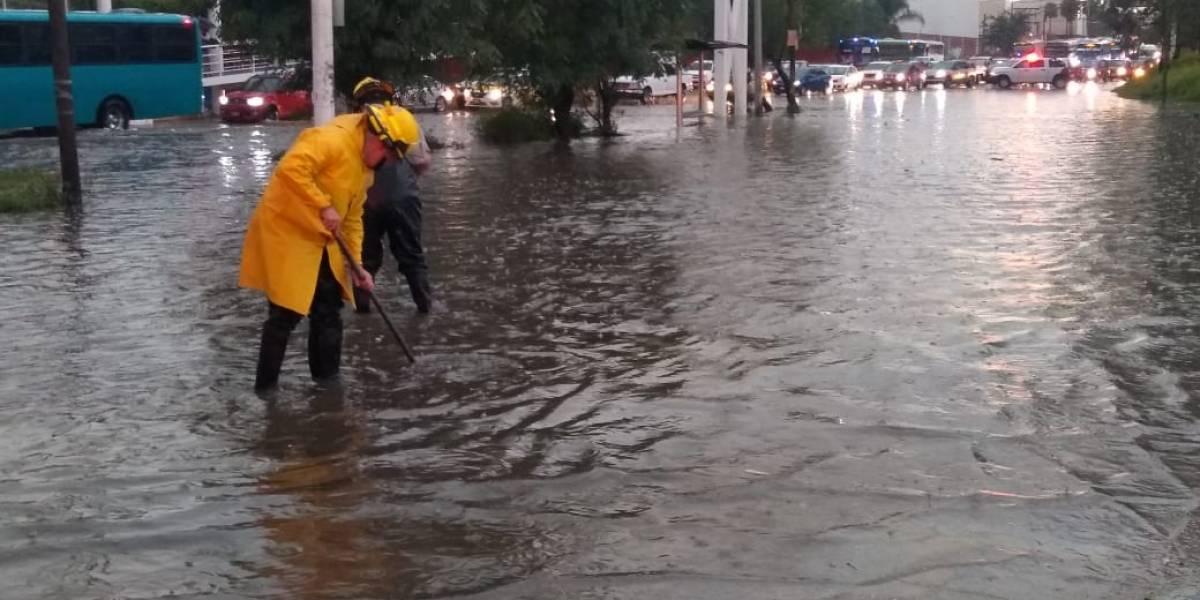 Se inunda Zona Metropolitana de Guadalajara por fuerte tormenta vespertina