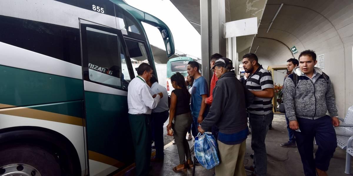 Normalistas secuestran 46 autobuses de pasajeros en el Edomex