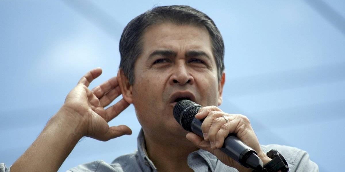 Acusan al presidente de Honduras de recibir un millón de dólares del Chapo Guzmán