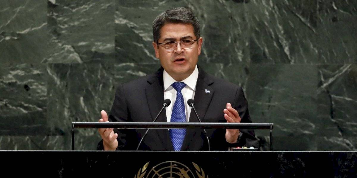 Presidente de Honduras rechaza haber recibido soborno de 'El Chapo'