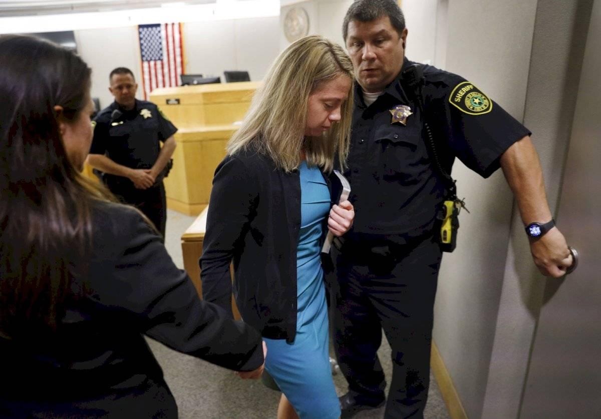 La ex oficial, que en el momento del incidente aún vestía uniforme, fue despedida de la Policía.