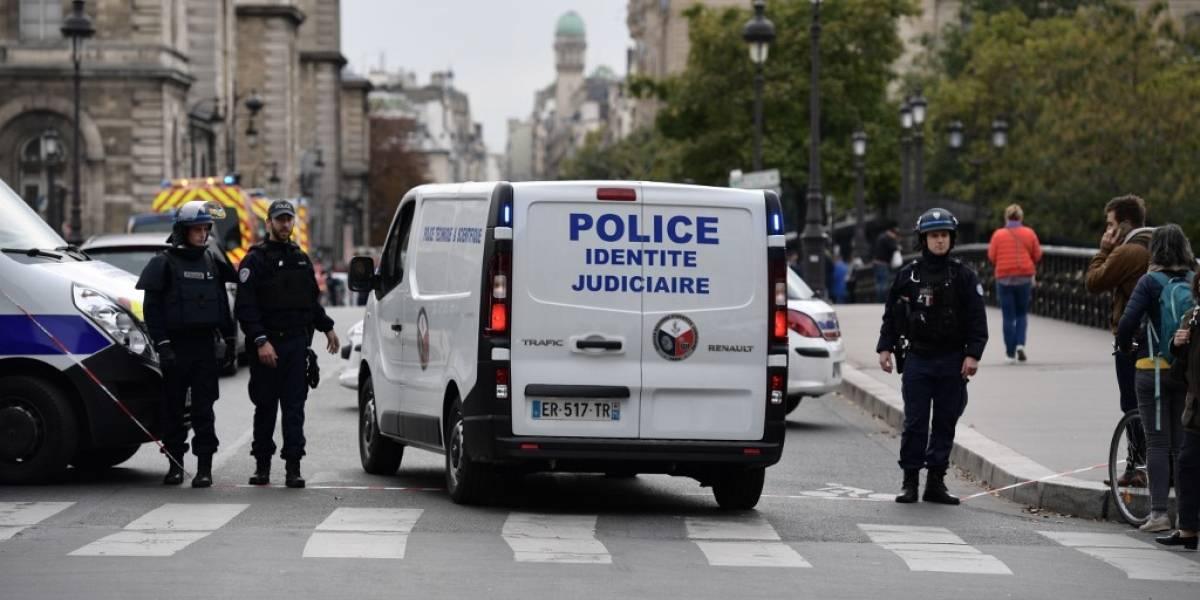 París de luto: cinco muertos en ataque con cuchillo en jefatura policial