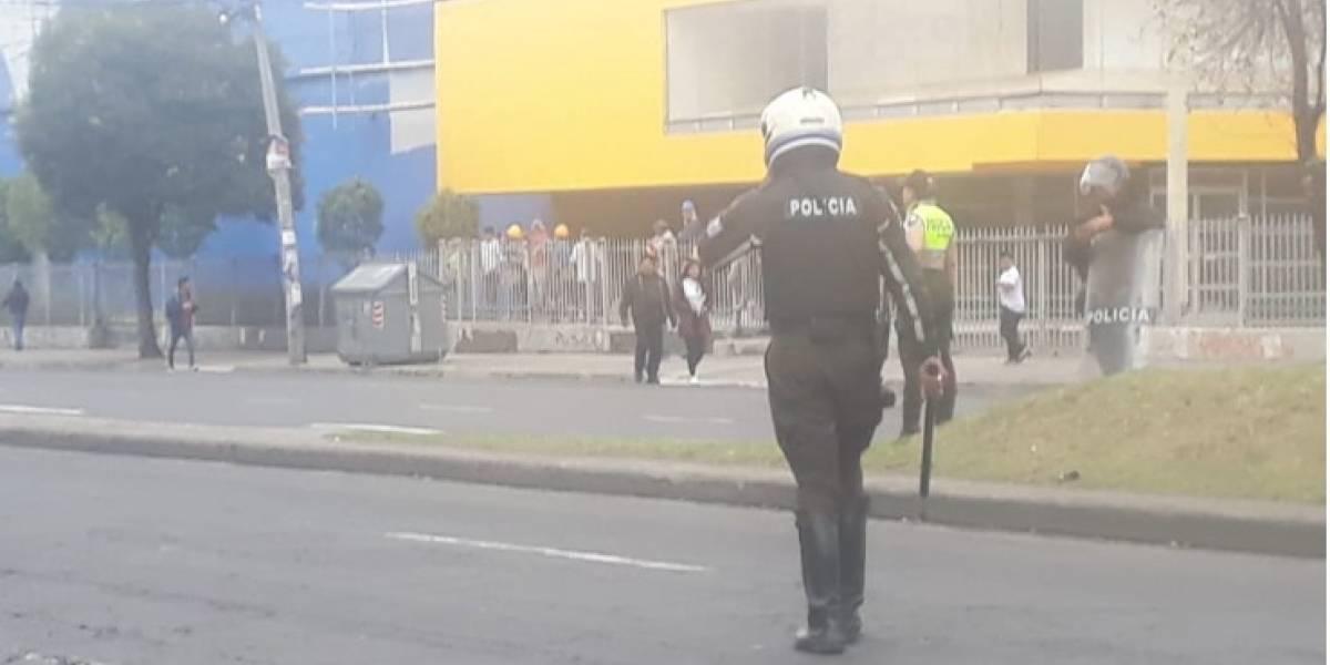 Enfrentamientos entre polícias y manifestantes en el sur de Quito