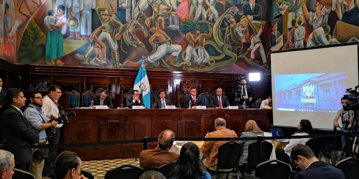 """Familiares de """"afectados"""" por CICIG exponen ante comisión del Congreso"""