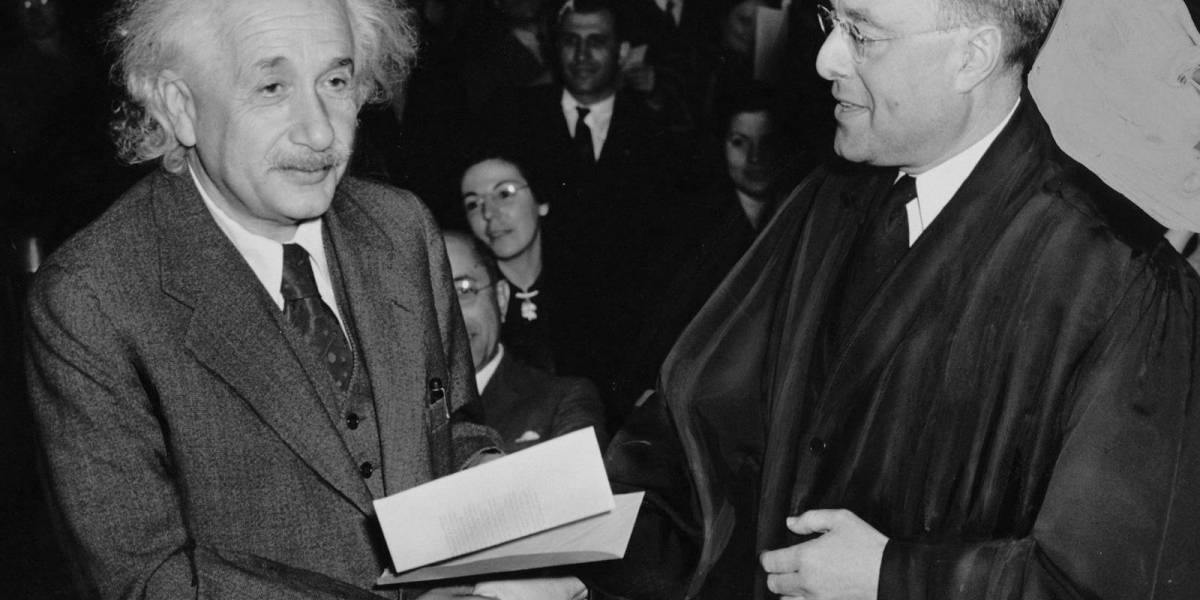 Recordamos el día que Albert Einstein agradeció a Inglaterra salvarlo de los nazis
