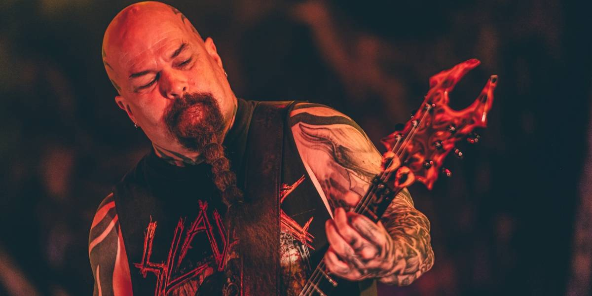 Slayer resume a própria identidade com show de despedida explosivo em São Paulo