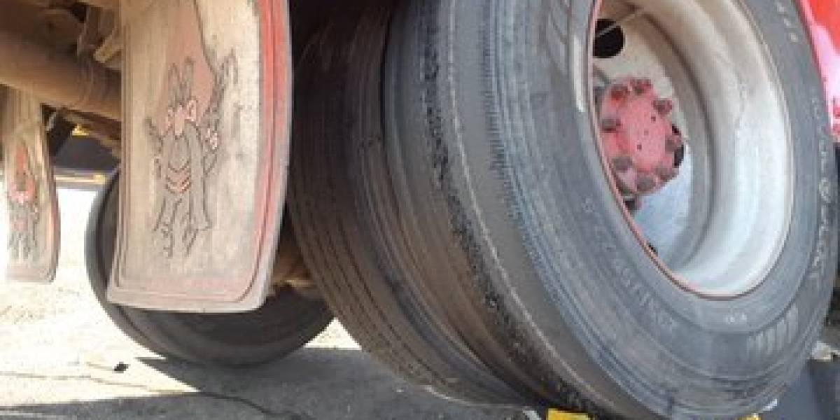 Bus accidentado en peaje de Palín-Escuintla tenía llantas en mal estado