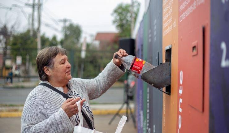 Llamativa iniciativa en Maipú recarga tarjeta Bip! si reciclas