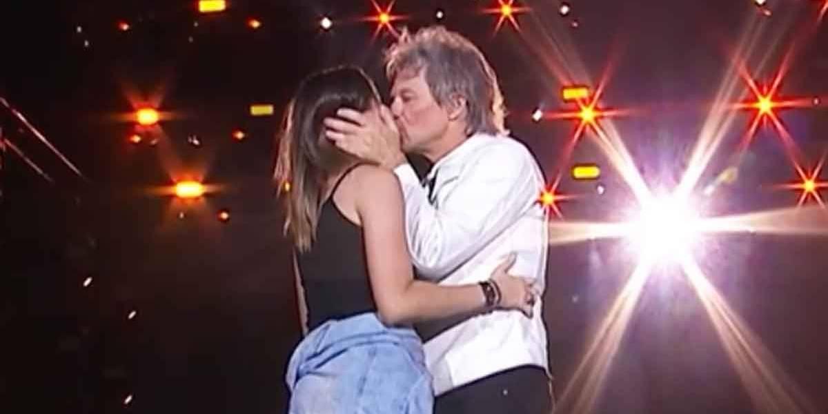 Tamires Vaz, que ganhou beijo de Bon Jovi no Rock in Rio, ganha curso de inglês