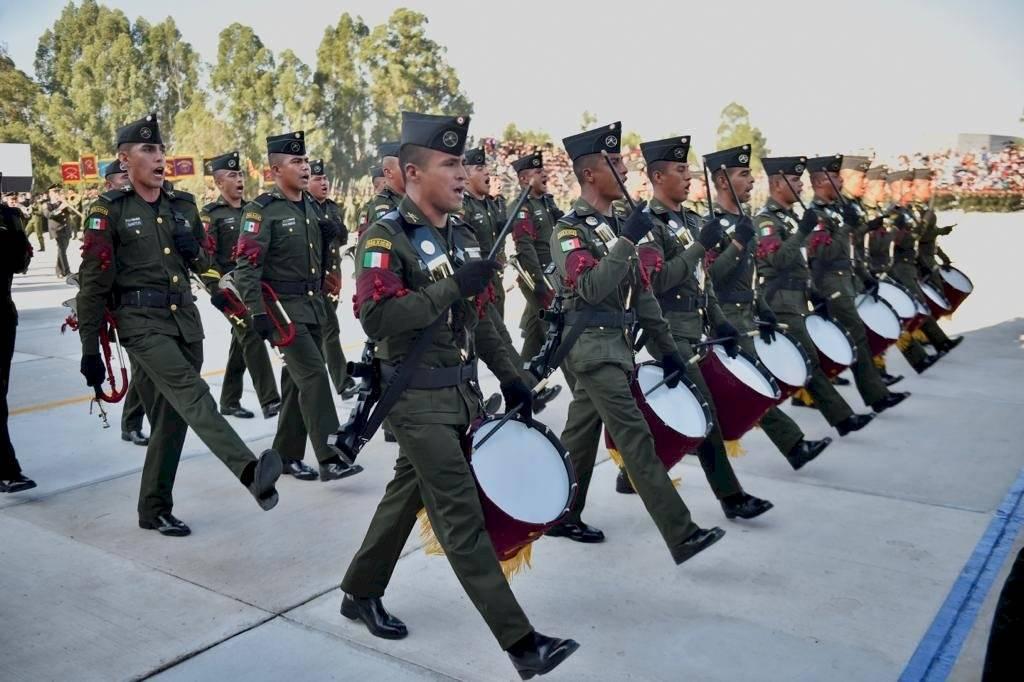 Ceremonia de graduación de los Cursos de Formación de Sargentos Primeros y Segundos.