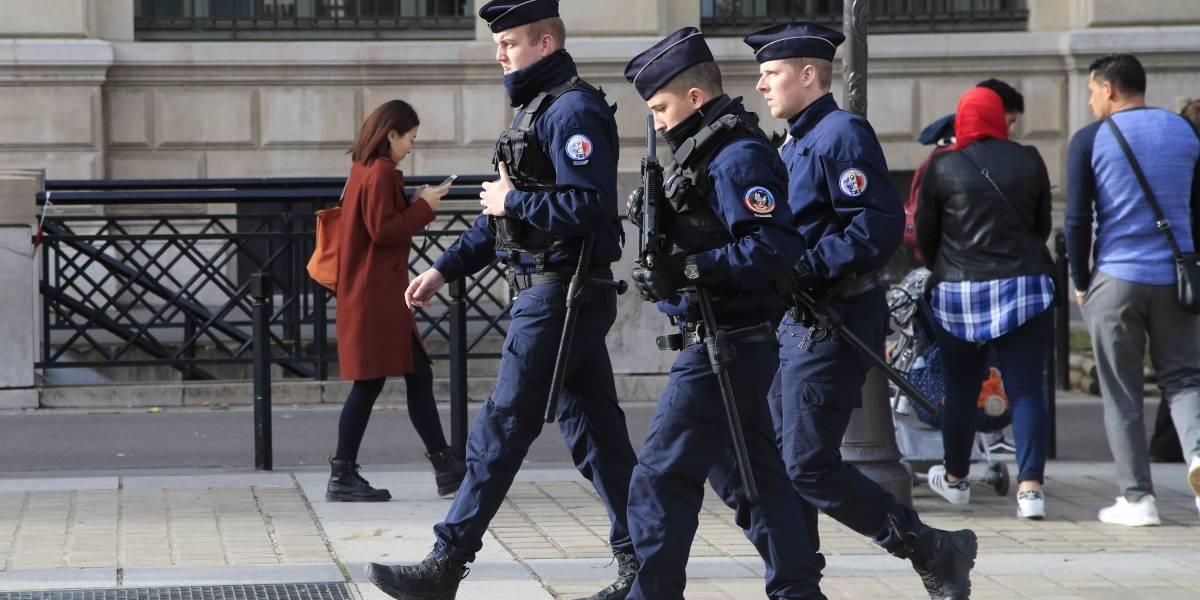 Descartan terrorismo en ataque a policía de París