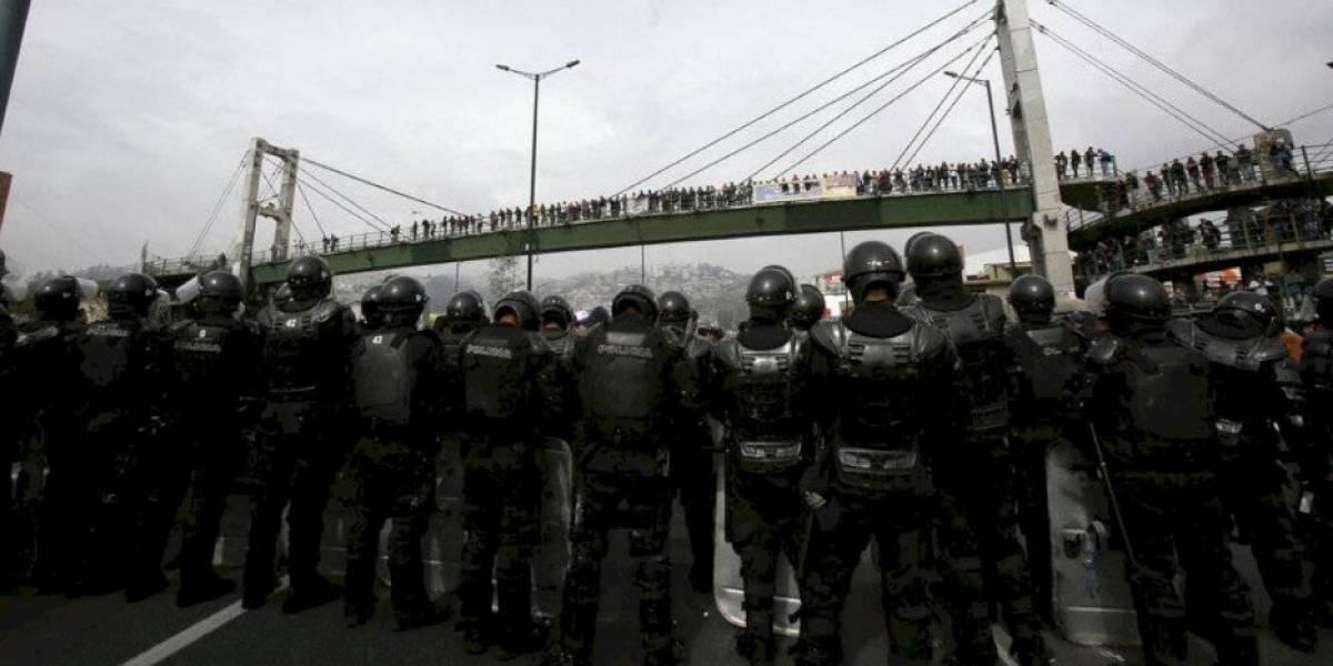 Fuertes protestas en Ecuador por alza en el precio del combustible