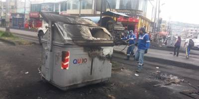 Contenedores de basura dañados